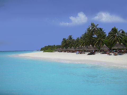 beachfront resort maldives