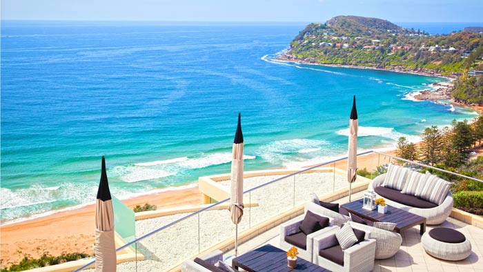 Hotel Near North Sydney Beach