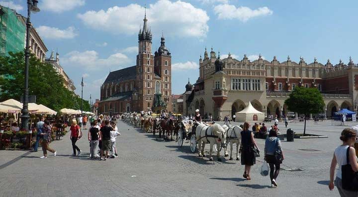 Train travel holiday krakow to lake bled for Cracow caravan park